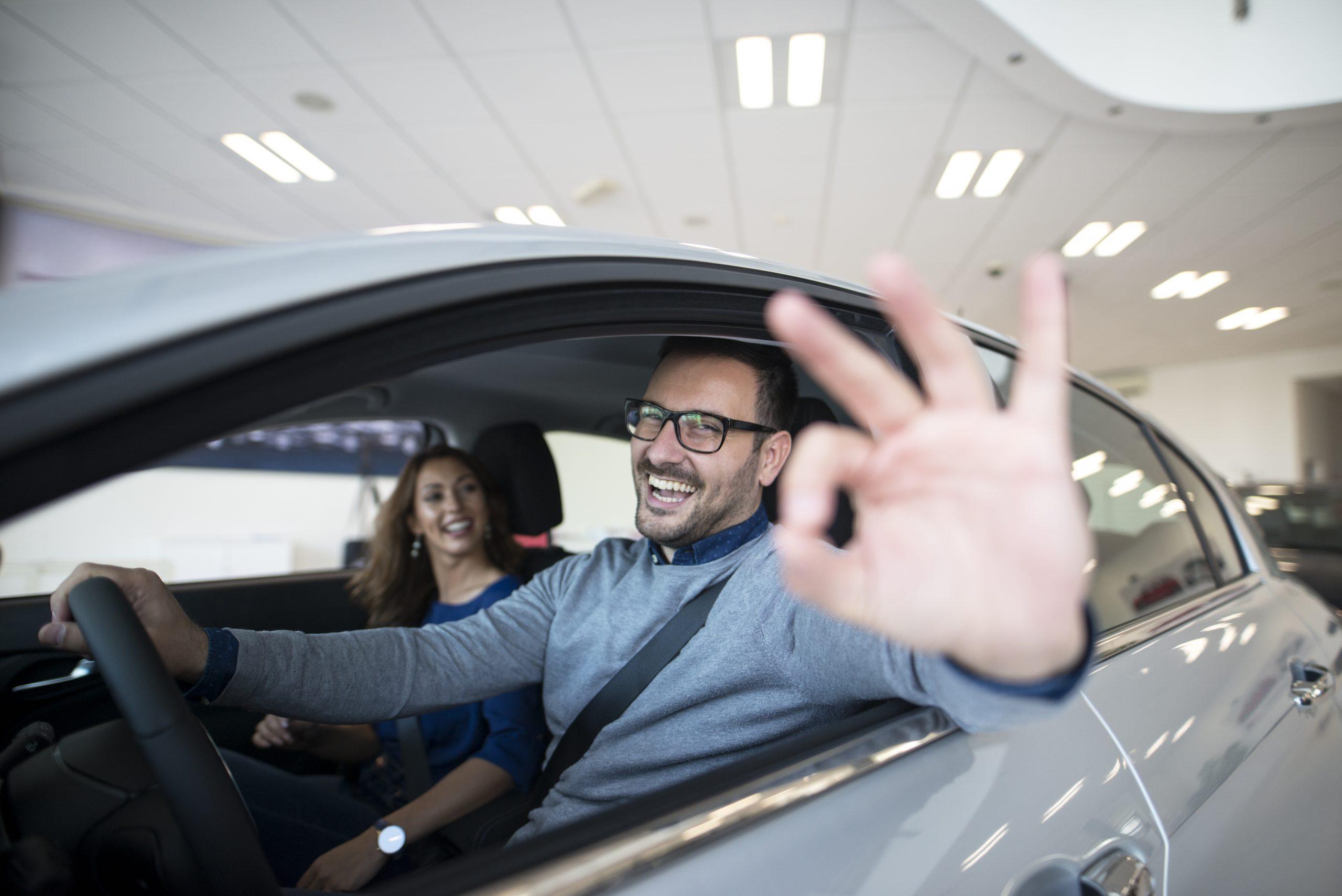 ¿Por qué un coche sin carnet? Pros y contras